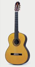 Juan Hernandez Maestro Classical Guitar